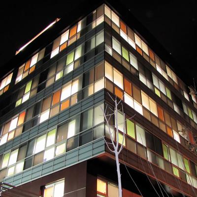 دفتر مرکزی شرکت گلدیران (شفافیت و رنگ)